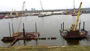 Povandeninės sienutės statybos Malkų įlankoje.