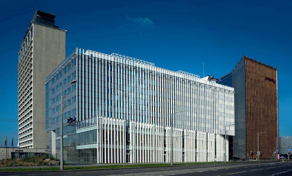 """Naujajame viešbutyje """"Radisson Blu Hotel Lietuva"""" įrengti 165 kambariai."""