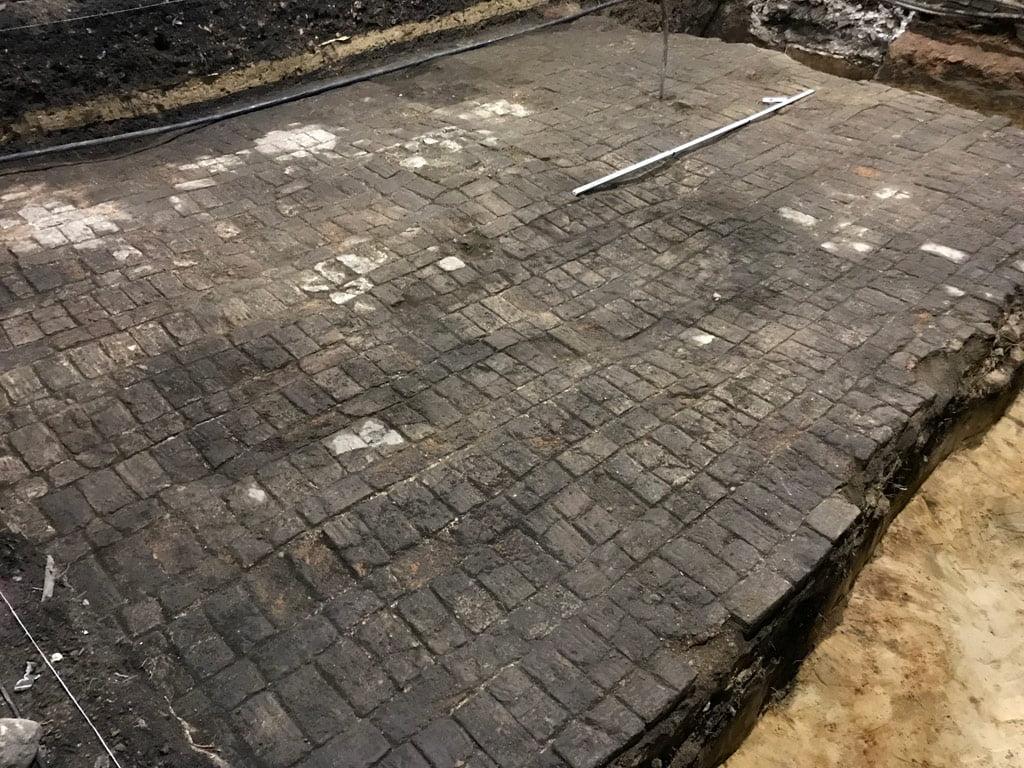 Radvilų rūmų fragmentai