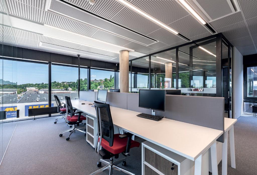BREEAM standartas patvirtina išskirtinę pastato kokybę ir efektyvius inžinerinius sprendimus. Evaldo Lusio nuotr.