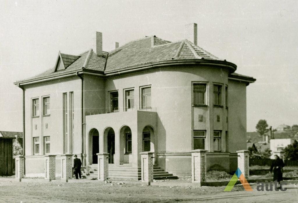 Stanislovas Lukošius. Pokarinės statybos gyvenamasis namas Vilijampolėje, 1956 m. © KTU ASI archyvas.