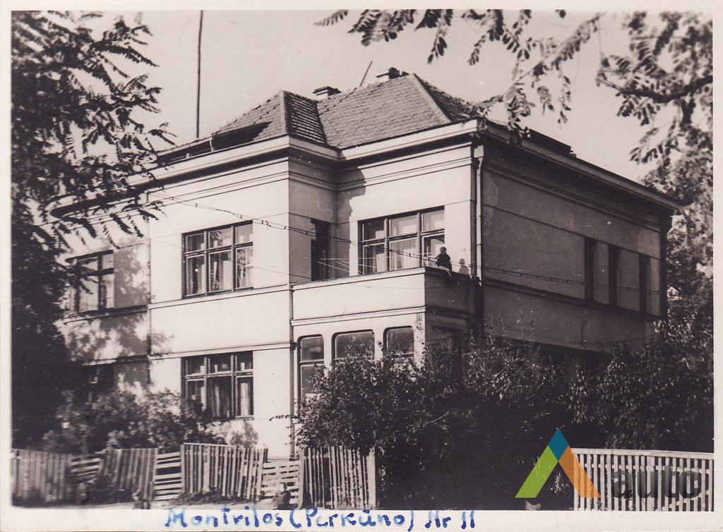 Stanislovas Lukošius. Tarpukario pastatas Perkūno alėjoje, 1956 m. © KTU ASI rinkinys.