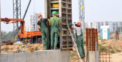 Statybų aikštelėje neužtikrinus saugumo priemonių, darbininkai gali atsisakyti dirbti