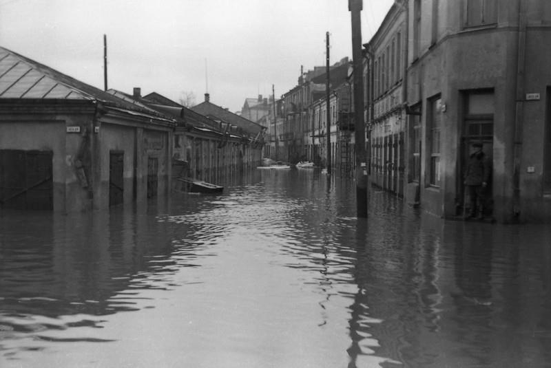 J. Jablonskio g. 1946 m. po potvynio Kaune. M. Cechanavičiaus nuotr.