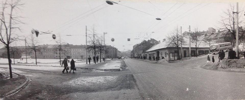 Aikštė po 1976 m. gatvių rekonstrukcijos (autorius nežinomas).