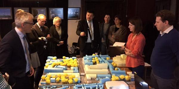 Susitikimas su miestokūros ekspertais ir vietos interesų grupėmis. Organizatorių nuotr.