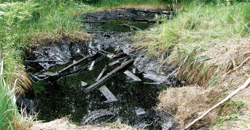 Labiausiai Lietuvoje užterštos buvusių kuro bazių teritorijos.
