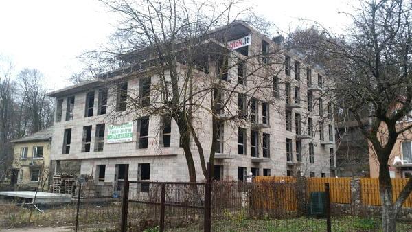 """""""Užupio monstro"""" statybos sukėlė visuomenės pasipiktinimą.<br>Donato Bradisausko nuotr."""