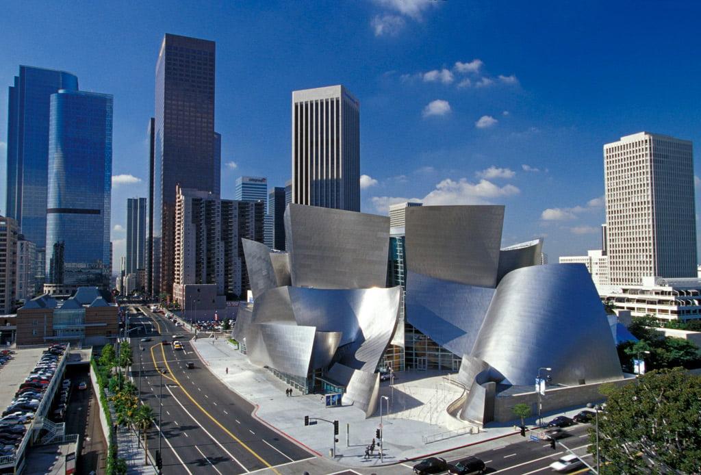 Frank Gehry suprojektavo Volto Disnėjaus koncertų salę Los Andžele. Gehry Partners, LLP nuotr.