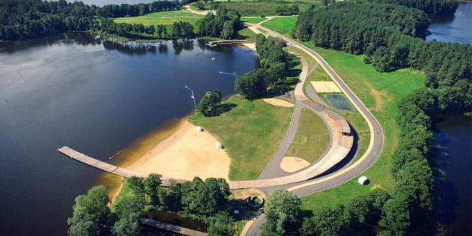 Geriausias 2015 metų rekreacinės architektūros objektas – poilsio ir vandens sporto centras  Zaraso ežero Didžiojoje saloje.