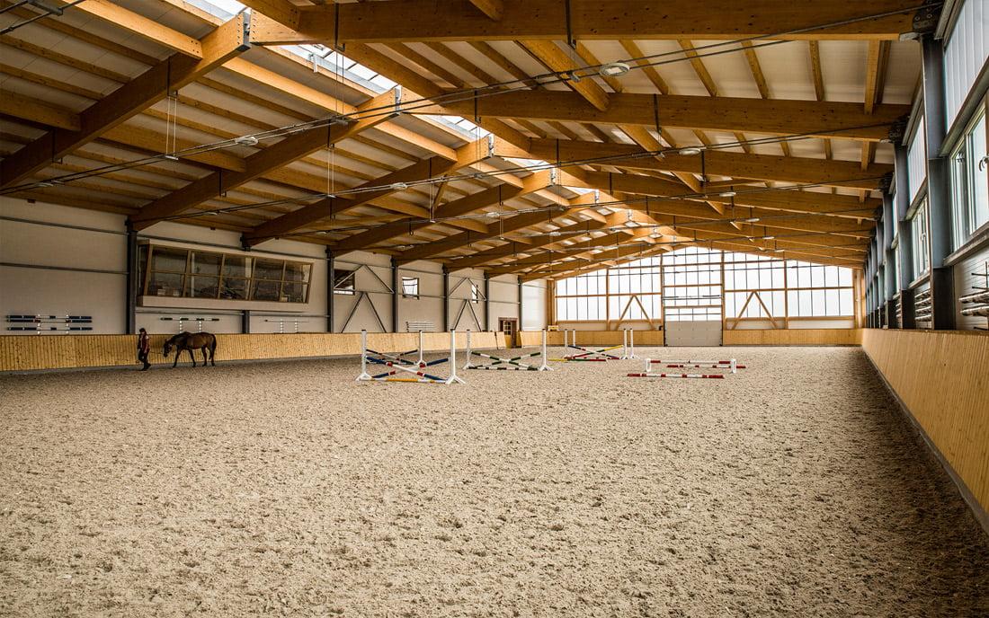 Žirgyno komplekse įdiegta moderni smėlio drėkinimo sistema.